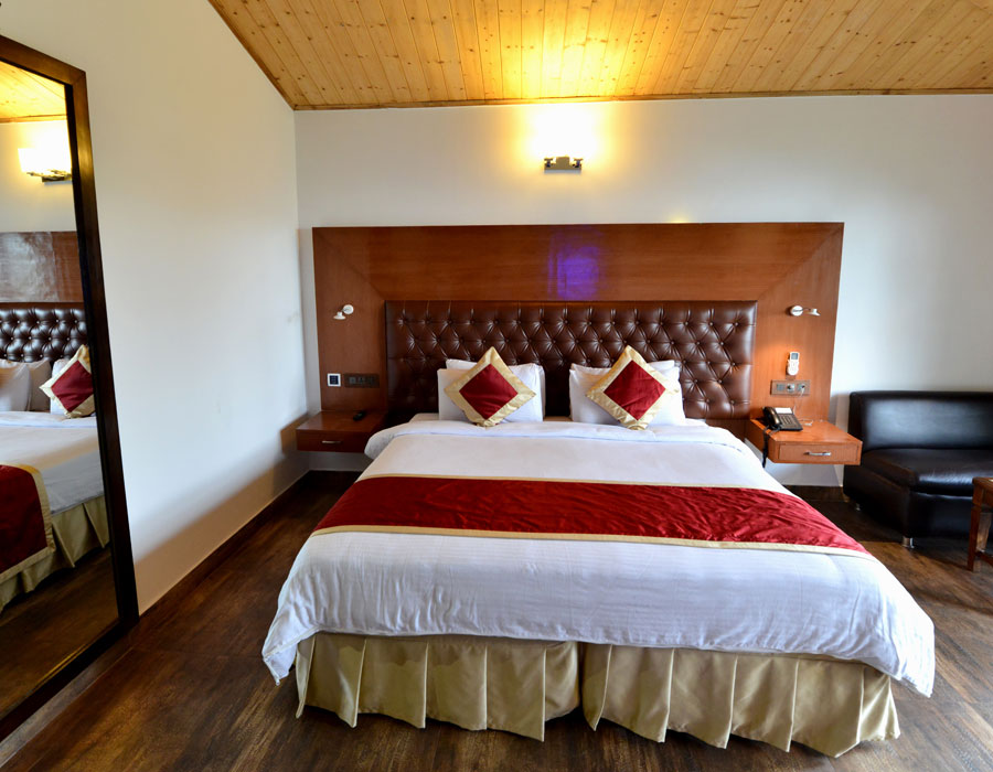kasauli-hills-resort-deluxe-room-valley-facing-rooms-cottages-accommodation-rooms-cottages