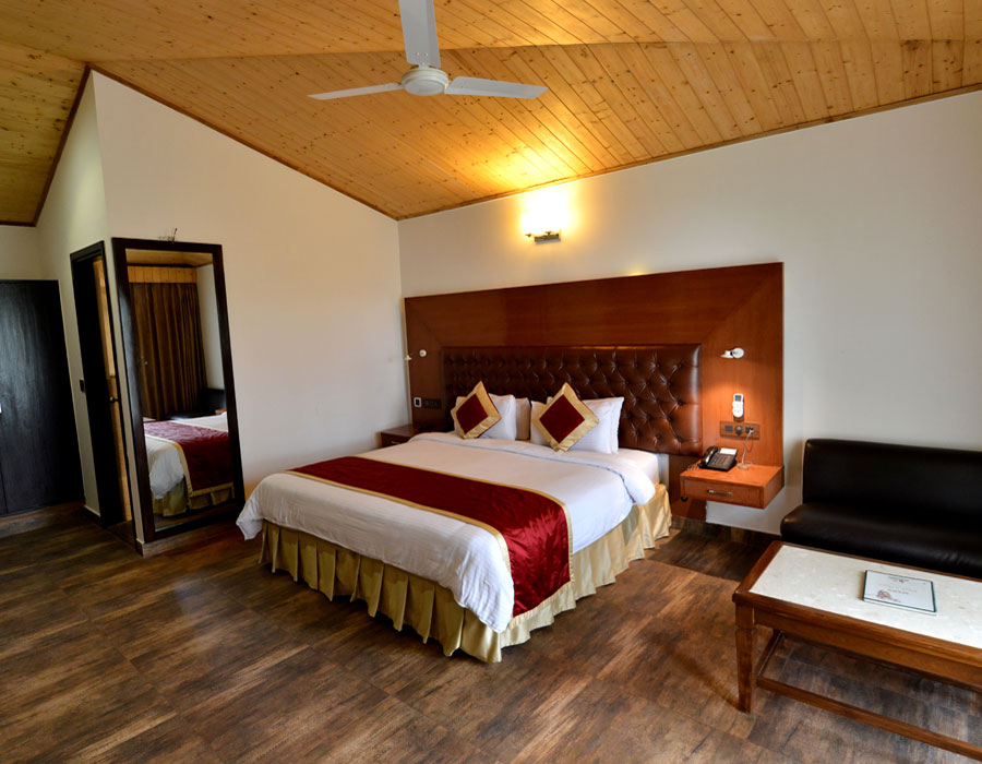 kasauli-hills-resort-deluxe-room-valley-facing-rooms-cottages-accommodation-suites