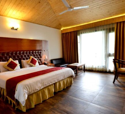 kasauli-hills-resort-deluxe-rooms-accommodation-valley-facing-view-acoommodation
