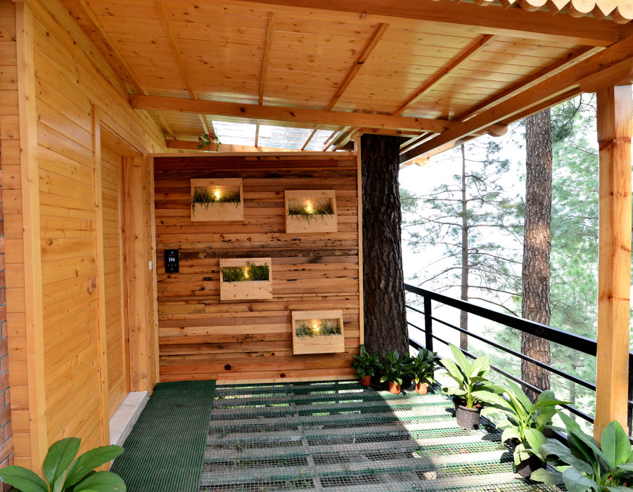 kasauli-hills-resort-interior-lounge-balcony-sitting-area-valley-facing-lounge-exterior