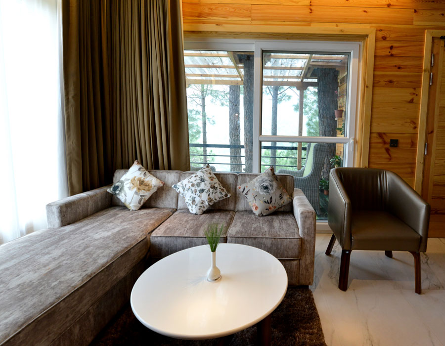 kasauli-hills-resort-interior-lounge-balcony-sitting-area-valley-facing-lounge