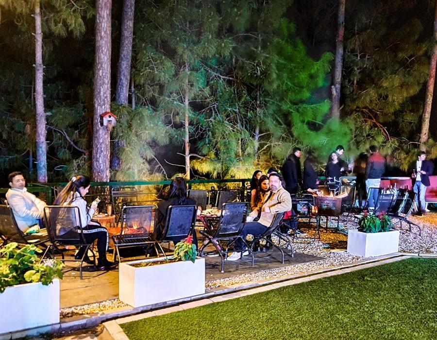 kasauli-hills-resort-cottage-rooms-resorts-hottels-villas-accommodation-celebration-bonfire-activities