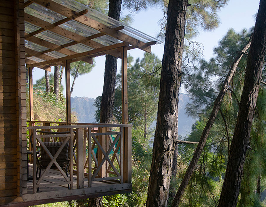 kasauli-hills-resort-cottage-rooms-resorts-hottels-villas-accommodation-valley-views-gaming-activities-oter-area-balcony-lounge