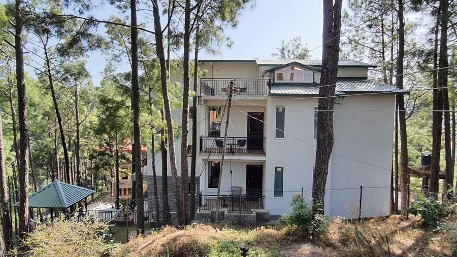alpviraam-kasauli-solan-himachal-pradesh-accommodation-exterior-view
